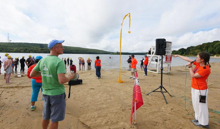 beach-suchitra-pointing