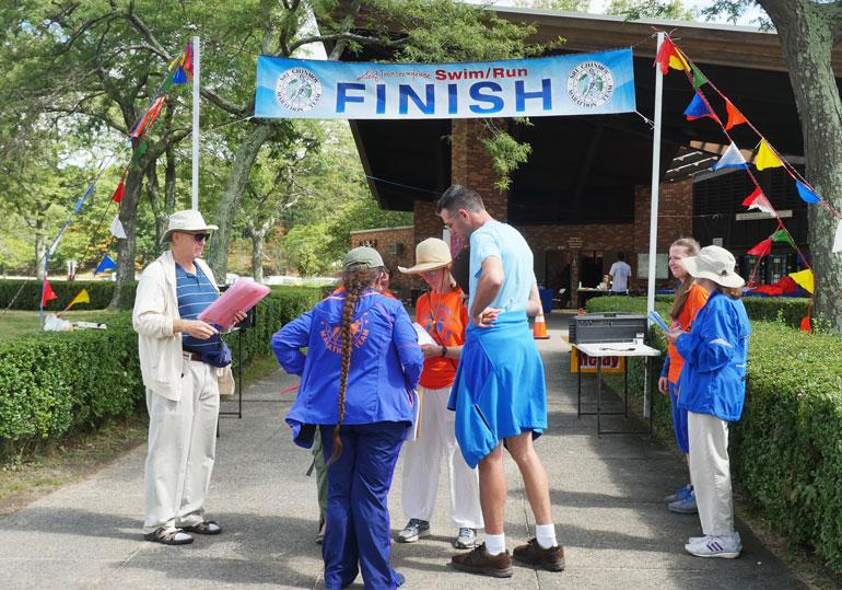 finish-line-crew