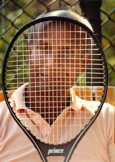 sri_chinmoy_tennis_racquet