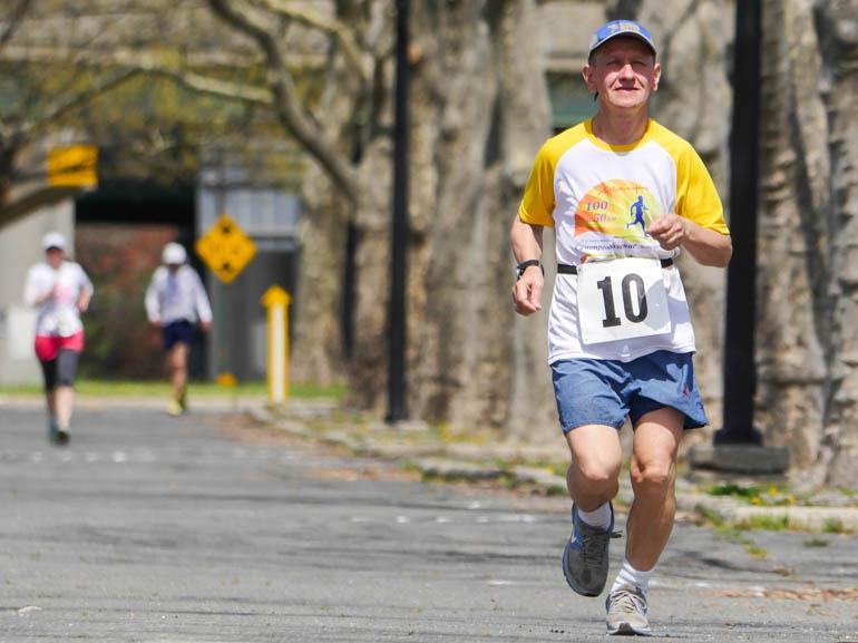 runner5-1210460