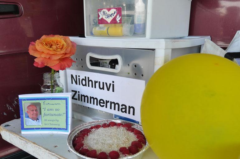 nidhruvi-cake