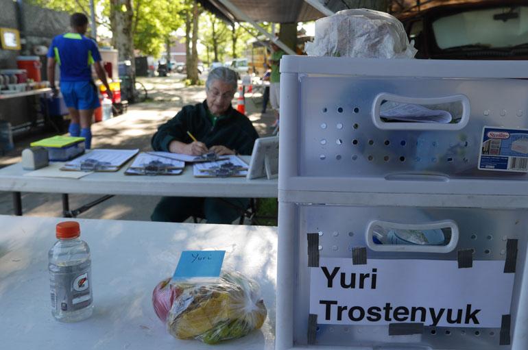yuri-table