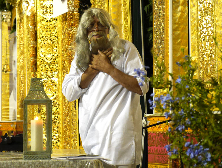 kaivalaya-bowing-on-stage2