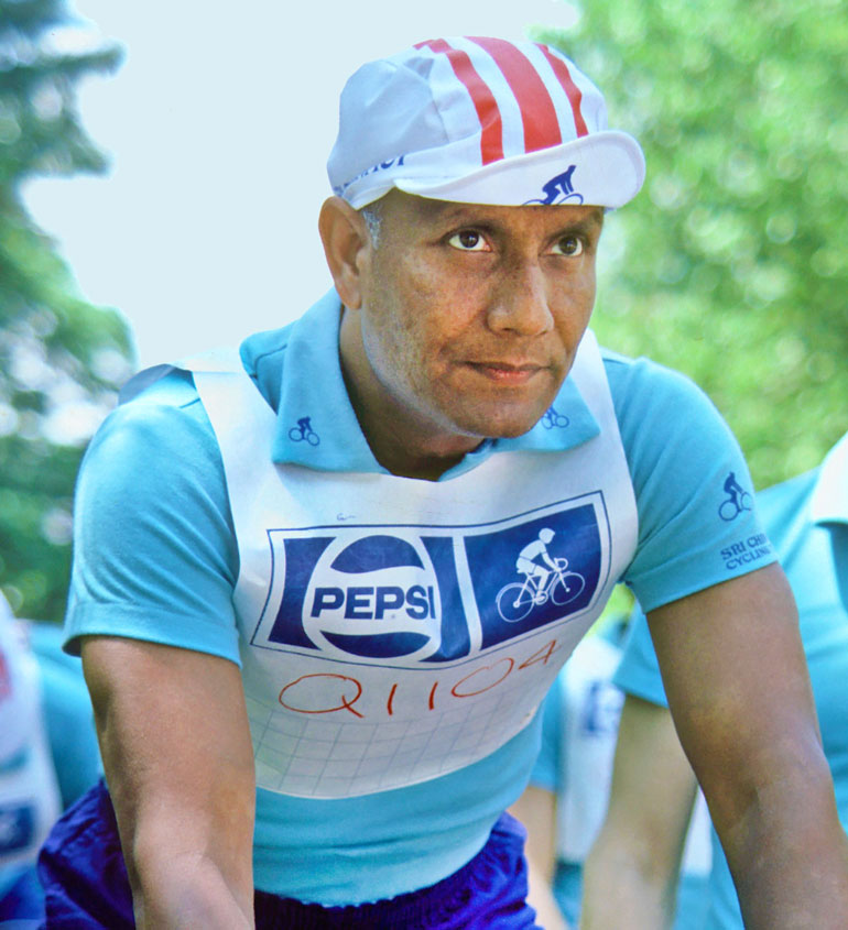 1979-sri-chinmoy-08-cycling