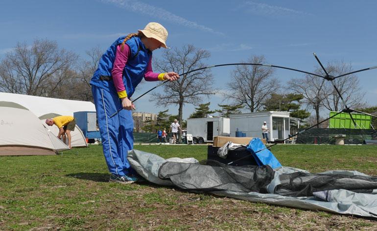 girl-tent2