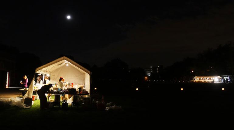 food-tent-moon