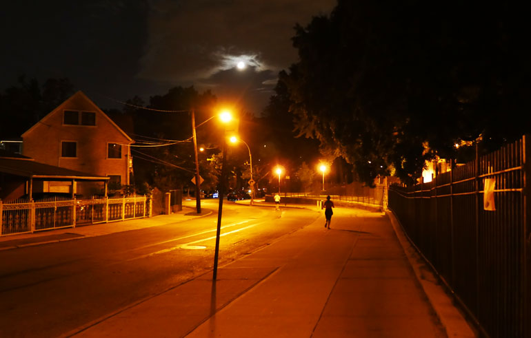 night-street-moon