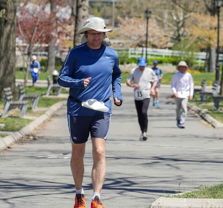 runner-1210588