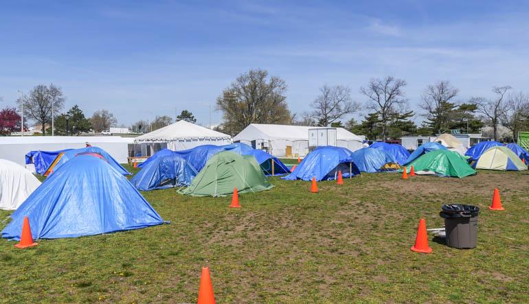 wide camp-1210239